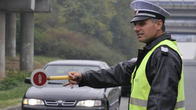 Предприемат допълнителни мерки за безопасността на пътните полицаи