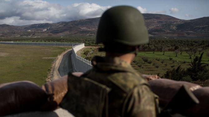 Турция завърши строителството на 81 км стена по границата с Иран