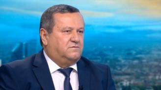Хасан Адемов: Сутрин мерките са едни, вечер други. Няма последователност