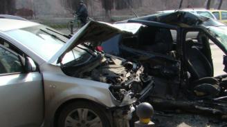 Шофьорки се блъснаха в Пловдив, последваха тежки псувни
