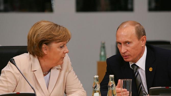 Меркел и Путин обсъдиха в телефонен разговор Украйна и коронавирусните ваксини