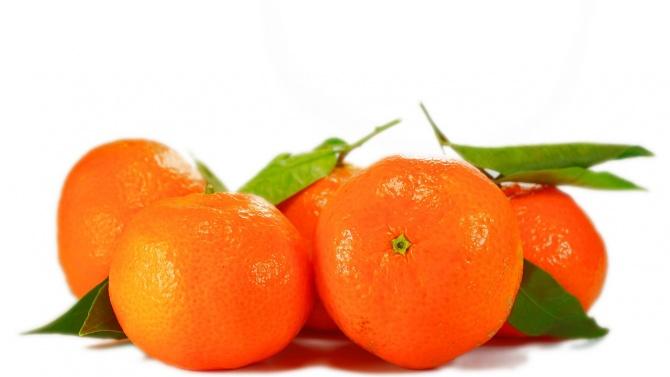 Спряха на границата 305 т храни от трети страни, сред тях огромно количество мандарини