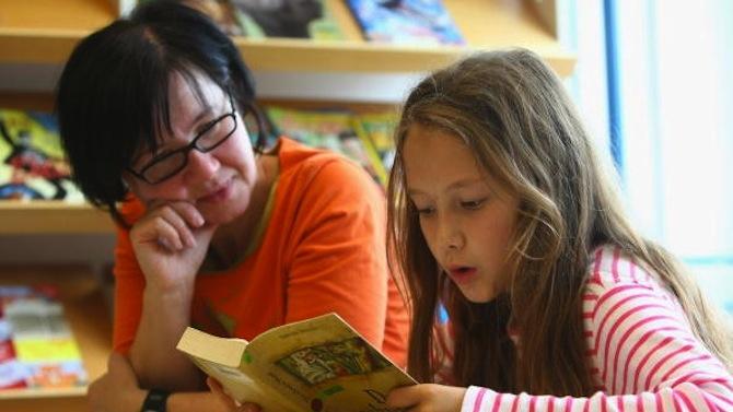 Родители с 10 въпроса към МОН за безопасността при онлайн обучението