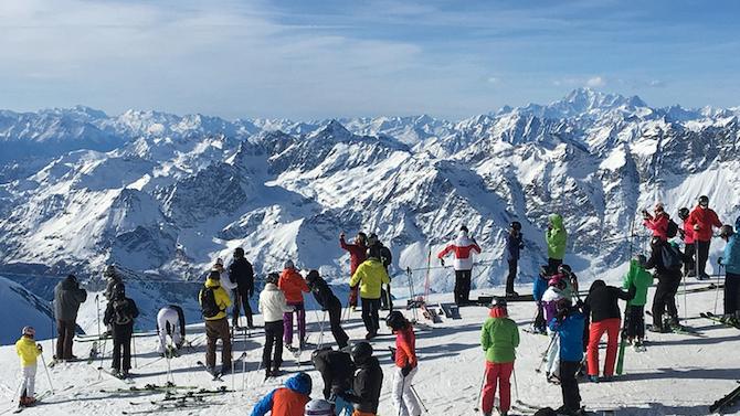 Лавина уби скиор в Швейцария