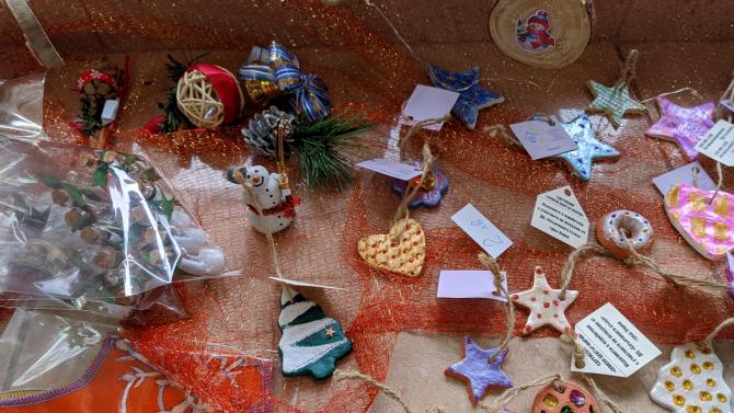 Коледен базар търси доброто по време на пандемия във Варна