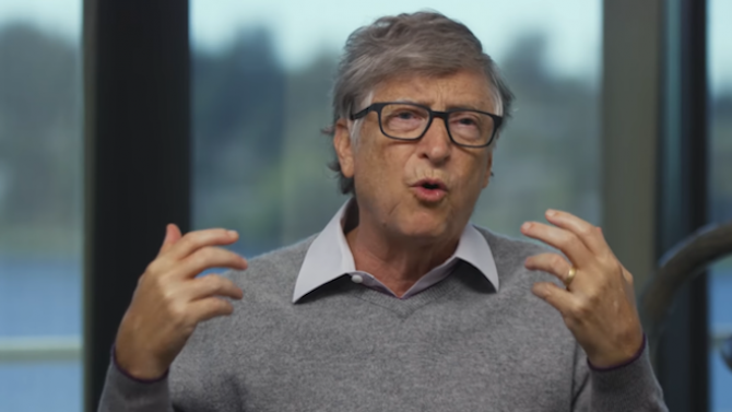 """Бил Гейтс обяви кога свършва пандемията, но и кои месеци ще бъдат """"много мрачни"""""""