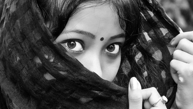 За изнасилване в Индия – до живот, за изнасилване на транссексуален – 2 години максимум