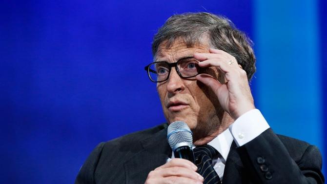 Бил Гейтс дава още пари за ваксини