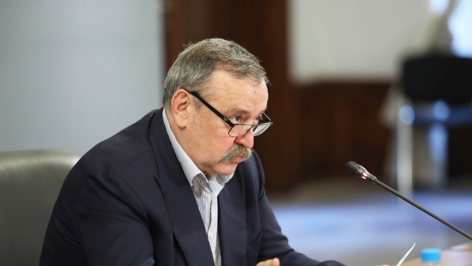 Проф.Кантарджиев: Ваксината трябва да е брилянтна, за да я разреши ЕК