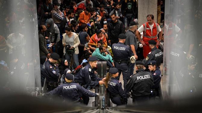 Германия отново ще експулсира сирийци в страната им