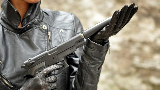 """Обирджийката на столичния хипермаркет с пистолет в ръка: """"Това е грабеж!"""""""