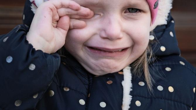 Мъж блудства със спящо 11-годишно момиченце в Плевенско