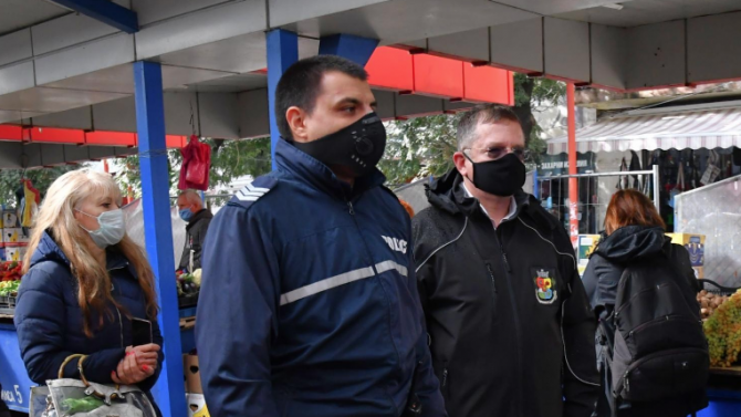 """""""Галъп"""": Българите подкрепят край на строгите мерки на 21 декември"""
