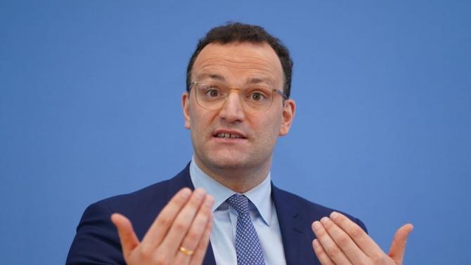 Германският здравен министър призова ЕС да одобри по-бързо ваксина срещу COVID-19