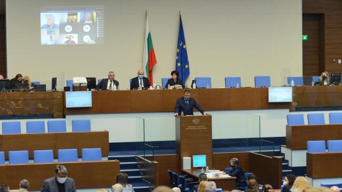 Доц. Миланов: Посланията по време на криза трябва да са по-ясни и по-убедителни