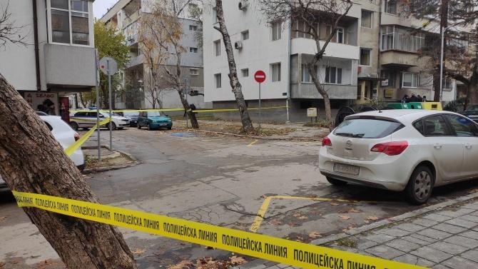 Продължава работата по тройното убийство във Варна