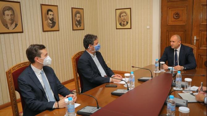 Румен Радев: Трябва да създадем възможности за извънкласна дейност за развитие на потенциала на българските ученици