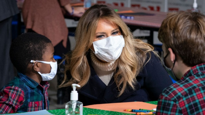 Мелания Тръмп  посети детска болница във Вашингтон