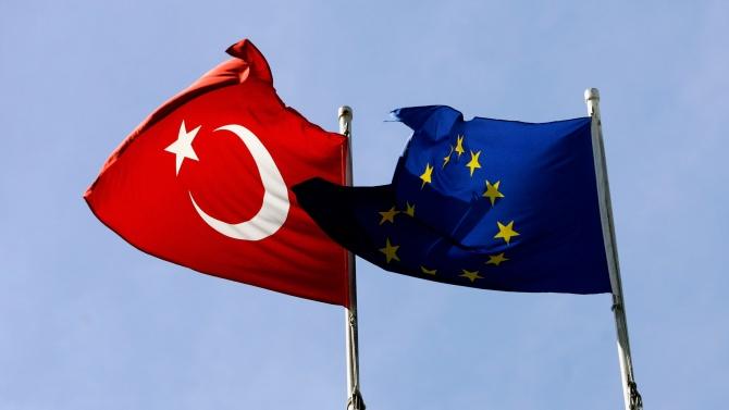 Говорителят на Ердоган: Турция и ЕС трябва да действат в сътрудничество