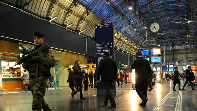 Медии: Конфликтът между Франция и джихадизма не е приключил