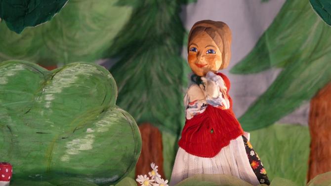 Книга представя историята на Кукления театър в Русе за 60-годишнината му