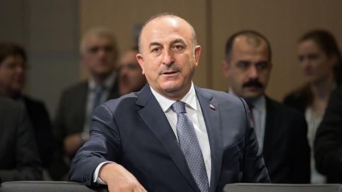 Чавушоглу: Турция няма да се откаже от С-400 заради санкциите на САЩ