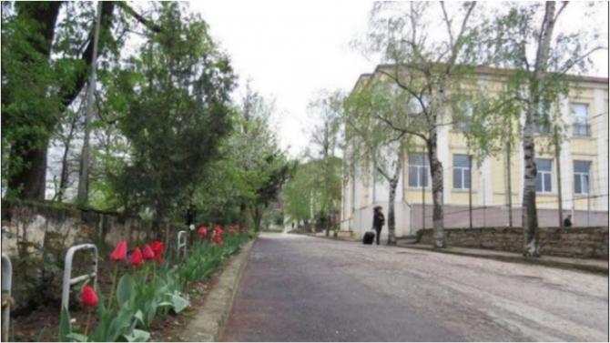 Езиковата гимназия в Ловеч със звание за високо ниво на френския език