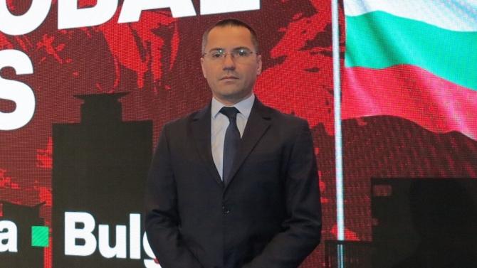 Джамбазки: Фабрики за фалшиви новини водят информационна война срещу България заради С. Македония