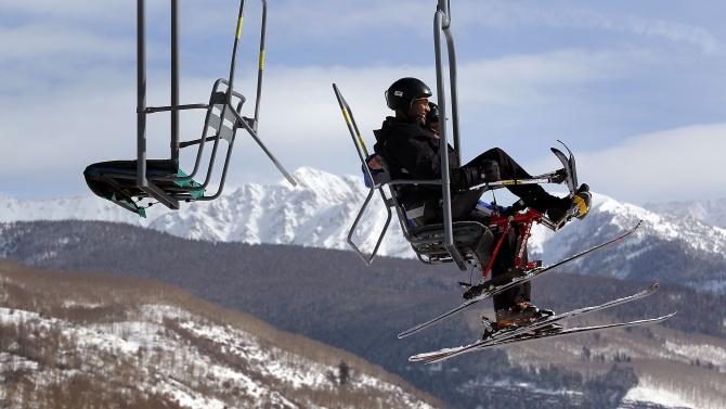 Словакия затвори училищата и магазините, но оставя ски лифтовете да работят