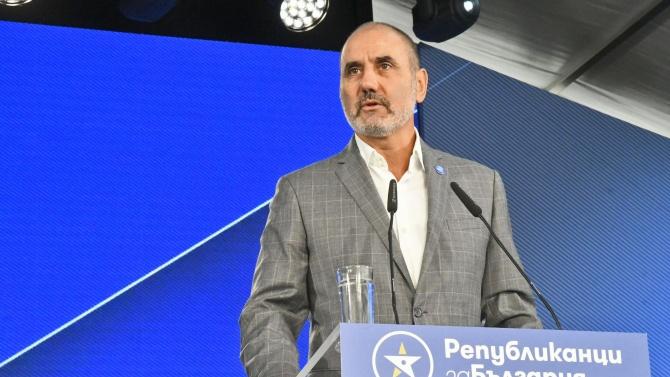 Цветанов: Президентът да изпълни своята функция със свикването на КСНС