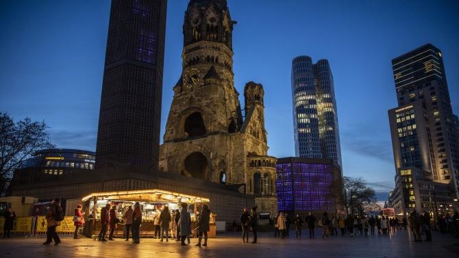 Църковни камбани биха в Берлин за убитите при нападението на Коледния базар през 2016 година