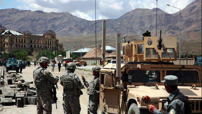 Най-малко осем убити при бомбено нападение в Кабул