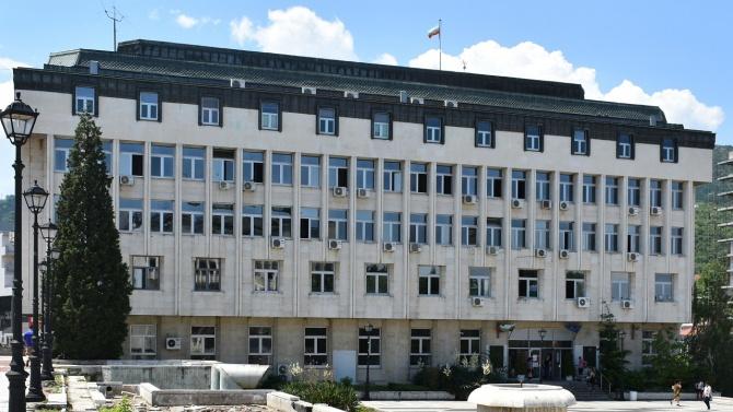 Община Асеновград освободи от наеми и такси търговци и родители
