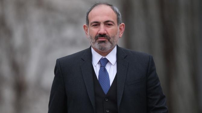 Хиляди протестират срещу арменския премиер Пашинян