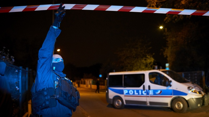 Трима членове на жандармерията са убити в Централна Франция