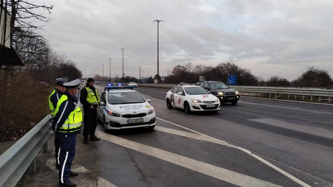 """""""Пътна полиция"""" обеща безкомпромисен контрол по празниците"""