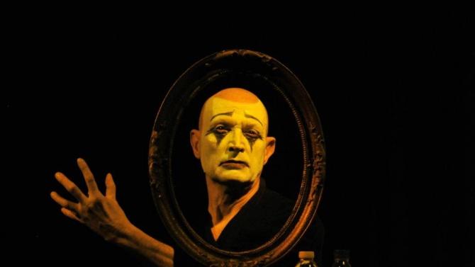 Отиде си най-известният български мим Вельо Горанов