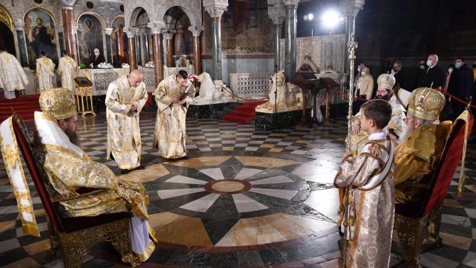 Вторият ден на Коледа e!  Честваме Събор на Пресвета Богородица