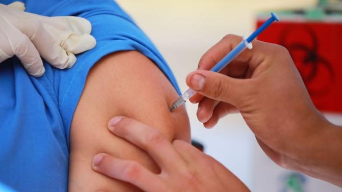 Бабиш предлага една ампула с ваксина срещу коронавируса да се използва за шест вместо за пет дози