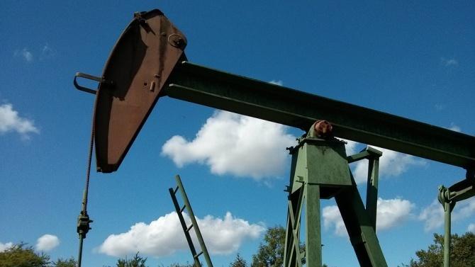 Петролът поскъпна заради очакванията за нарастване на търсенето