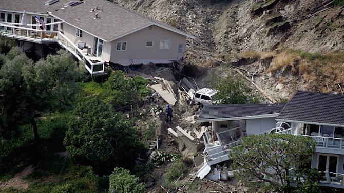 Десетки изчезнаха при огромно свлачище в Норвегия, има отнесени къщи