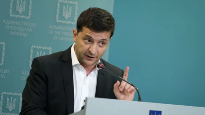 Спорът между президента на Украйна и конституционния съд прераства в криза