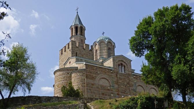 """Крепостта """"Царевец"""" очаква първият си посетител в 12,00 часа на 1 януари"""