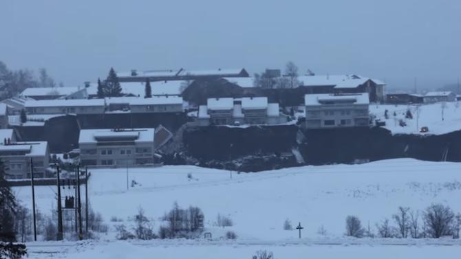 Норвежки спасители търсят 10 изчезнали в резултат на свлачището