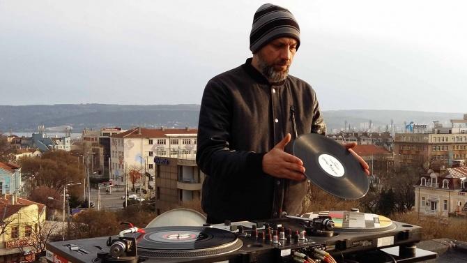 Вижте как музиканти от Варна ще запомнят загиналия в планината свой колега