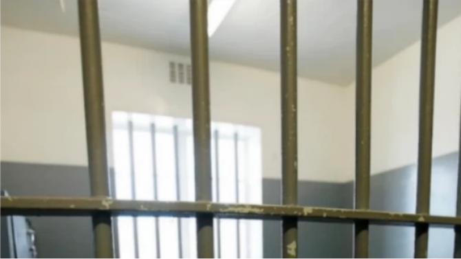 4 години затвор за мъж, ограбил и блудствал с 92-годишна баба