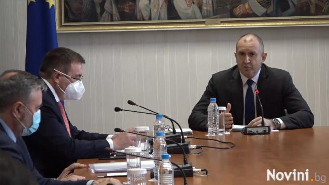 Румен Радев: Трябва да се научим да провеждаме избори в условията на пандемия