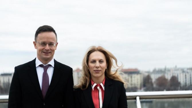 България преговаря с Унгария за туристи