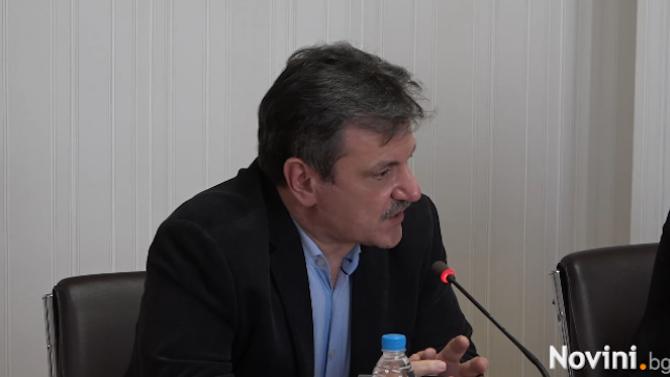 Д-р Симидчиев: Хората трябва да бъдат убедени, че трябва да се ваксинират