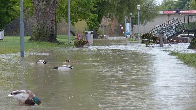 Тежко наводнение в Румъния причини сериозни материални щети